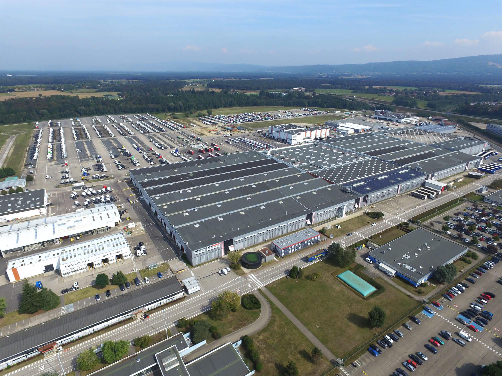 photo aérienne site Renault Trucks
